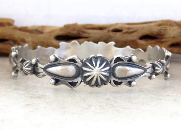 Image 1 of  Old Style Sterling Silver Bangle Bracelet Thomas Yazzie Navajo - 3856rio