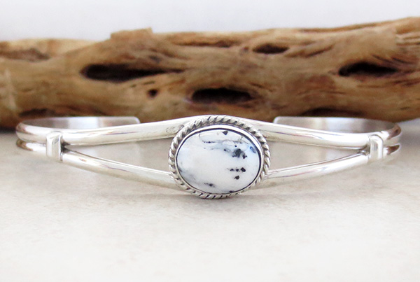 Small White Buffalo Stone & Sterling Silver Bracelet Cuff Navajo Made - 1325sn