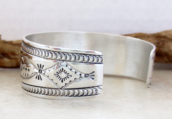 Image 4 of      Kingman Turquoise & Sterling Silver  Bracelet Joe Piaso Jr Navajo - 1435sn