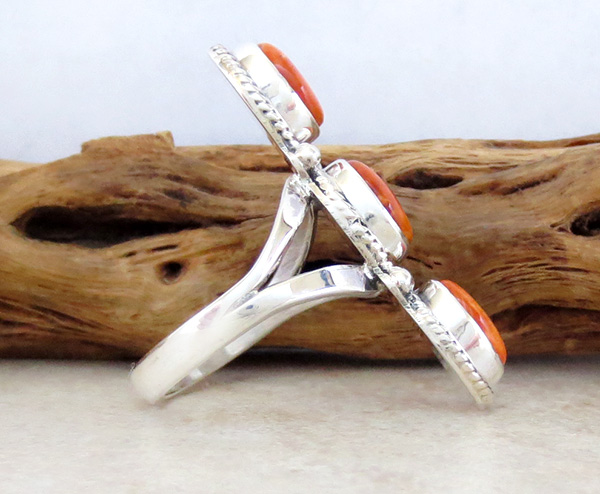 Image 1 of      Orange Spiny Oyster & Sterling Silver Size 8.25 Native American - 4228sn
