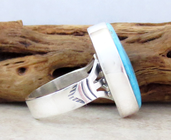 Image 1 of     Native American Kingman Turquoise & Sterling Silver Ring Size 7 - 4239sn