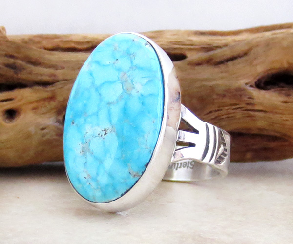 Image 3 of         Native American Kingman Turquoise & Sterling Silver Ring Size 7 - 4239sn