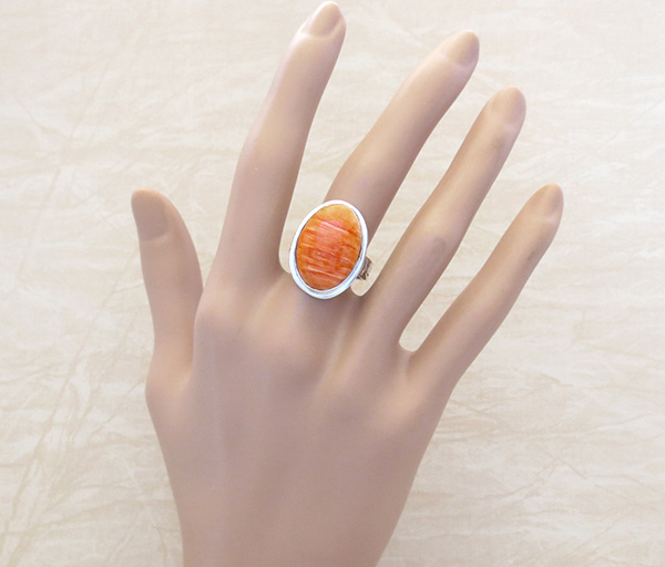 Image 1 of   Native American Orange Spiny Oyster & Sterling Silver Ring Size 9 - 4280sn