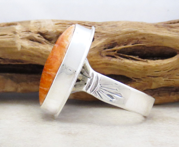 Image 2 of   Native American Orange Spiny Oyster & Sterling Silver Ring Size 9 - 4280sn