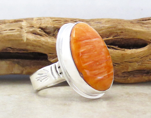 Image 3 of   Native American Orange Spiny Oyster & Sterling Silver Ring Size 9 - 4280sn