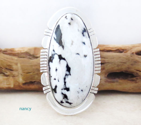 White Buffalo Stone & Sterling Silver Ring Size 7.5 Native American - 4563sn
