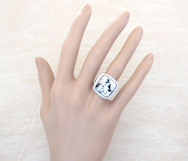 Image 1 of       Native American White Buffalo Stone & Sterling Silver Ring Size 8 - 4568sn