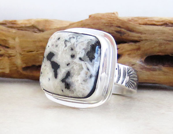 Image 3 of       Native American White Buffalo Stone & Sterling Silver Ring Size 8 - 4568sn