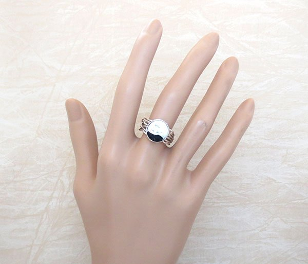 Image 1 of    Native American White Buffalo Stone & Sterling Silver Ring Sz 8.25 - 4573sn