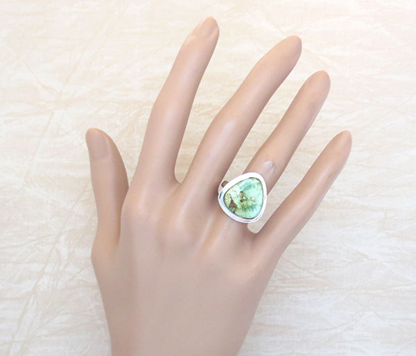 Image 1 of      Navajo Jewelry Made Green Turquoise & Sterling Silver Ring Size 7 - 1254sn