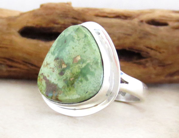 Image 3 of      Navajo Jewelry Made Green Turquoise & Sterling Silver Ring Size 7 - 1254sn