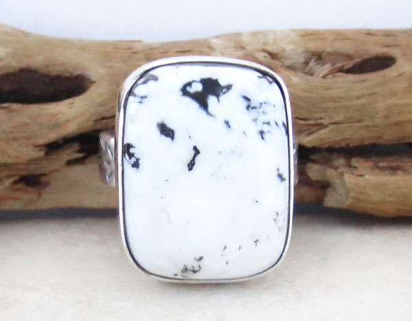 Image 1 of      Native American White Buffalo Stone & Sterling Silver Ring Size 9 - 2130sn