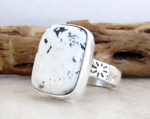 Image 3 of      Native American White Buffalo Stone & Sterling Silver Ring Size 9 - 2130sn