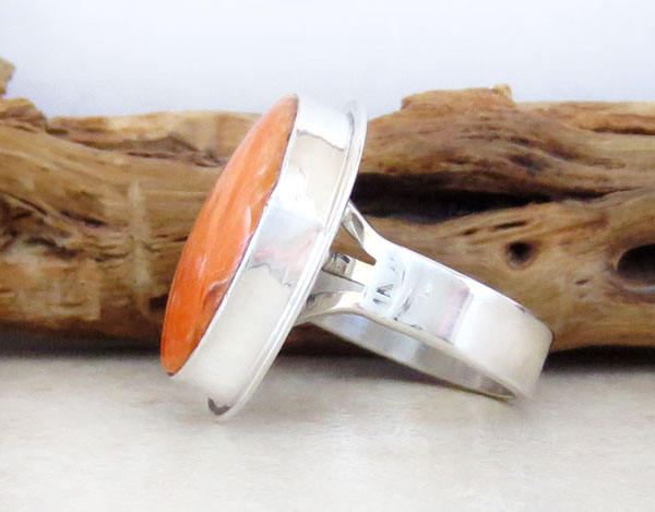 Image 2 of    Native American Orange Spiny Oyster & Sterling Silver Ring Size 7 - 2129sn