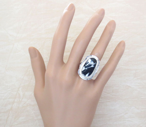 Image 1 of  White Buffalo Stone & Sterling Silver Ring Sz 8 Native American Jewelry- 4642sn