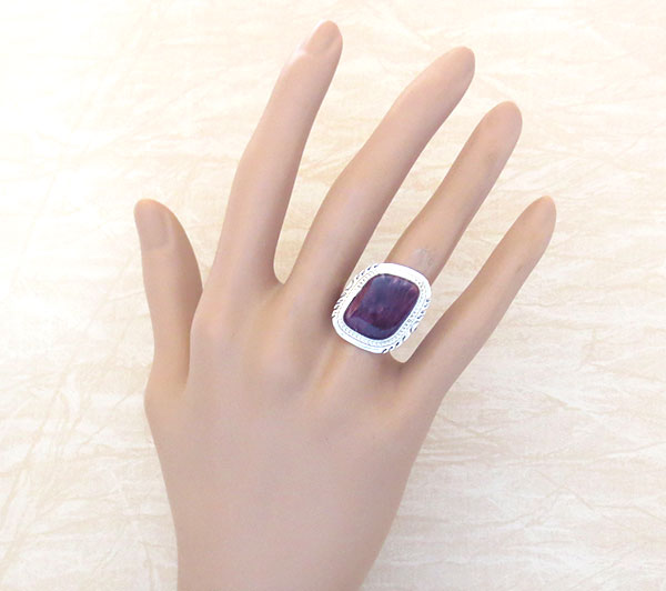 Image 1 of  Navajo Jewelry Purple Spiny Oyster & Sterling Silver Ring Size 7 - 2637sn
