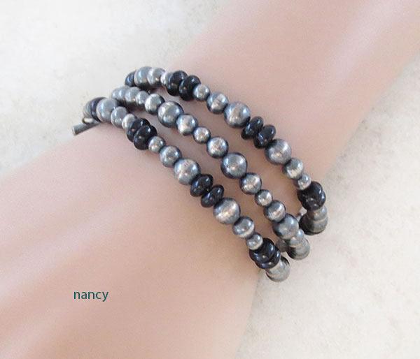 Image 0 of   Onyx & Sterling Silver Bead Toggle Bracelet Navajo Jewelry - 4759ft