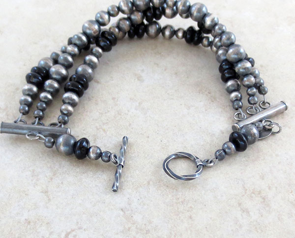 Image 2 of   Onyx & Sterling Silver Bead Toggle Bracelet Navajo Jewelry - 4759ft