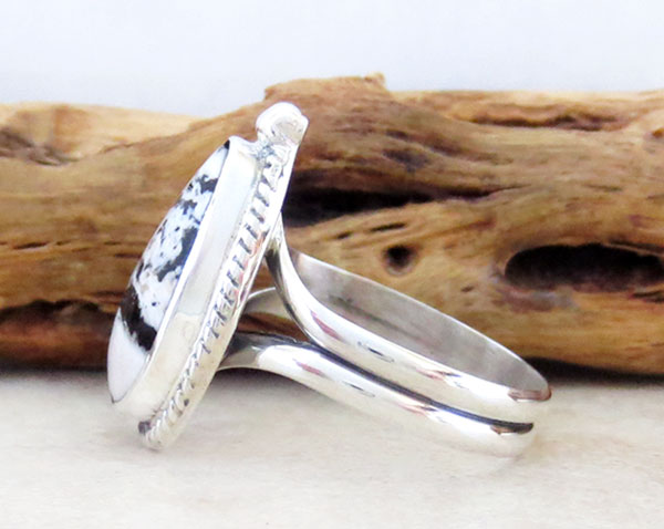 Image 2 of Native American Jewelry White Buffalo Stone & Sterling Silver Ring Sz 9 - 2457sn