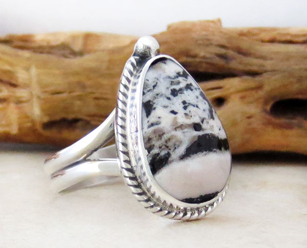 Image 3 of Native American Jewelry White Buffalo Stone & Sterling Silver Ring Sz 9 - 2457sn