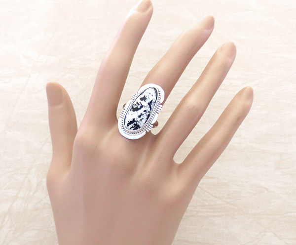 Image 1 of      White Buffalo Stone & Sterling Silver Ring Sz 8 Navajo Jewelry - 1945sn