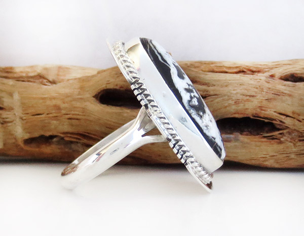 Image 2 of      White Buffalo Stone & Sterling Silver Ring Sz 8 Navajo Jewelry - 1945sn