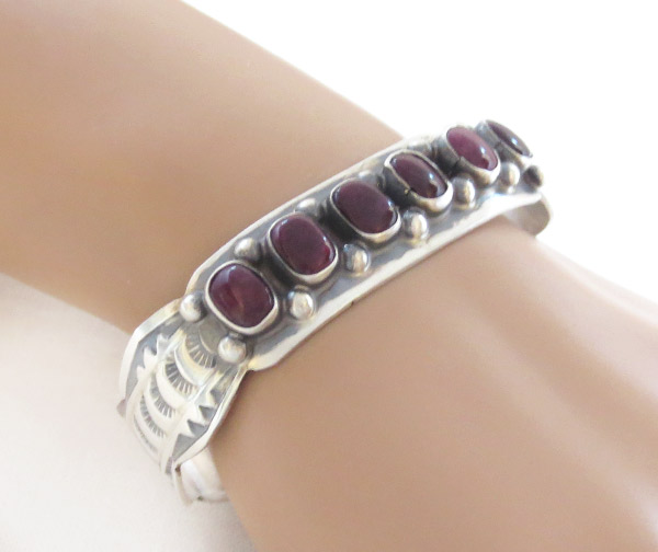 Image 1 of      Spiny Oyster Sterling Silver Bracelet Native American Jewelry - 1429sn