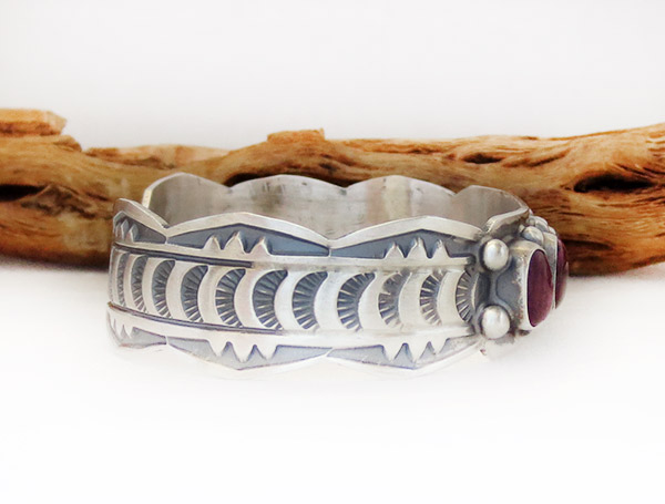 Image 2 of      Spiny Oyster Sterling Silver Bracelet Native American Jewelry - 1429sn