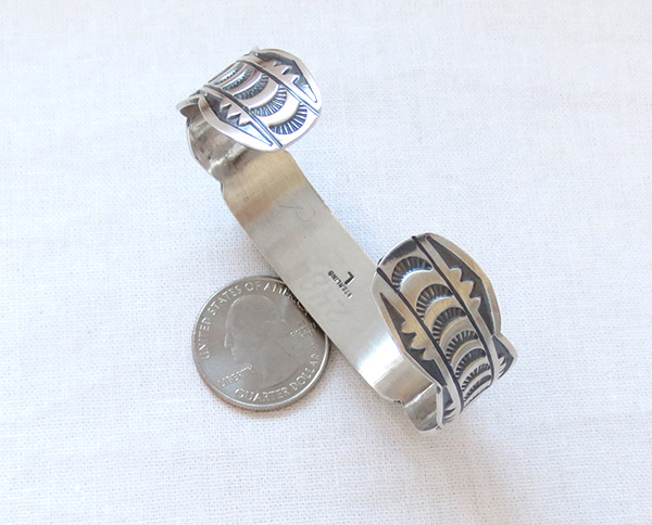 Image 3 of      Spiny Oyster Sterling Silver Bracelet Native American Jewelry - 1429sn