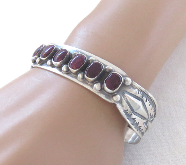Image 1 of Spiny Oyster Sterling Silver Bracelet Native American Jewelry - 1459sn