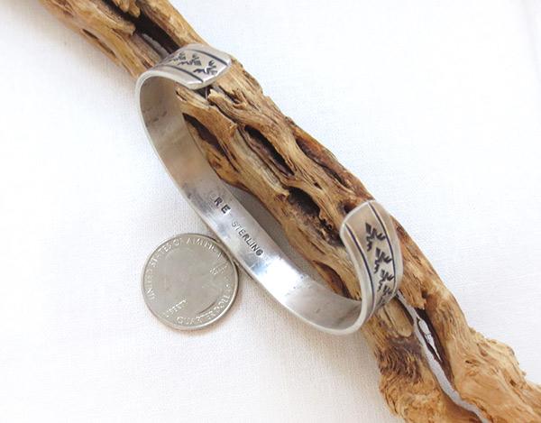 Image 4 of      Kingman Turquoise & Sterling Silver Bracelet Navajo Jewelry - 3427dt