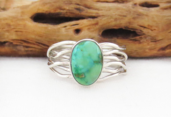 Small Turquoise & Sterling Silver Ring Sz 8.25 Navajo Jewelry - 4528sn