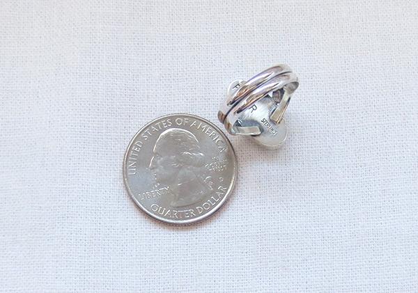 Image 3 of         White Buffalo Stone & Sterling Silver Ring Sz 6 Navajo - 5087sn