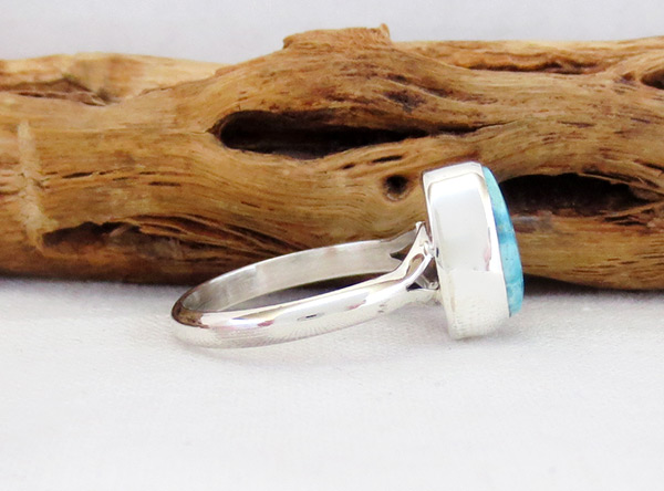 Image 2 of    Small White Water Turquoise & Sterling Silver Ring Sz 7 Navajo - 5395sn