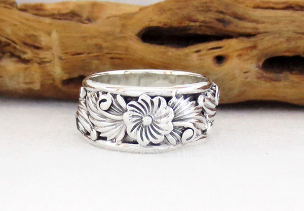 Navajo Jewelry Sterling Silver Flower Ring Sz 6.25 - 6361rb