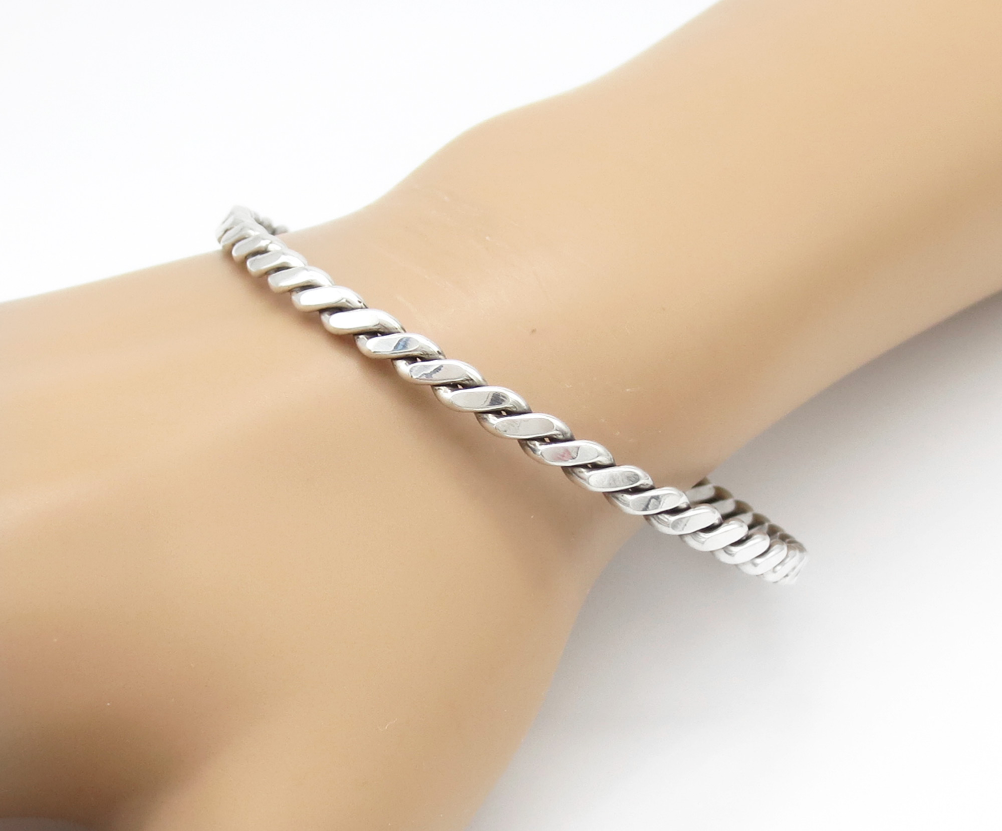 Sterling Silver Bangle Bracelet Native American Jewelry - 3928rb