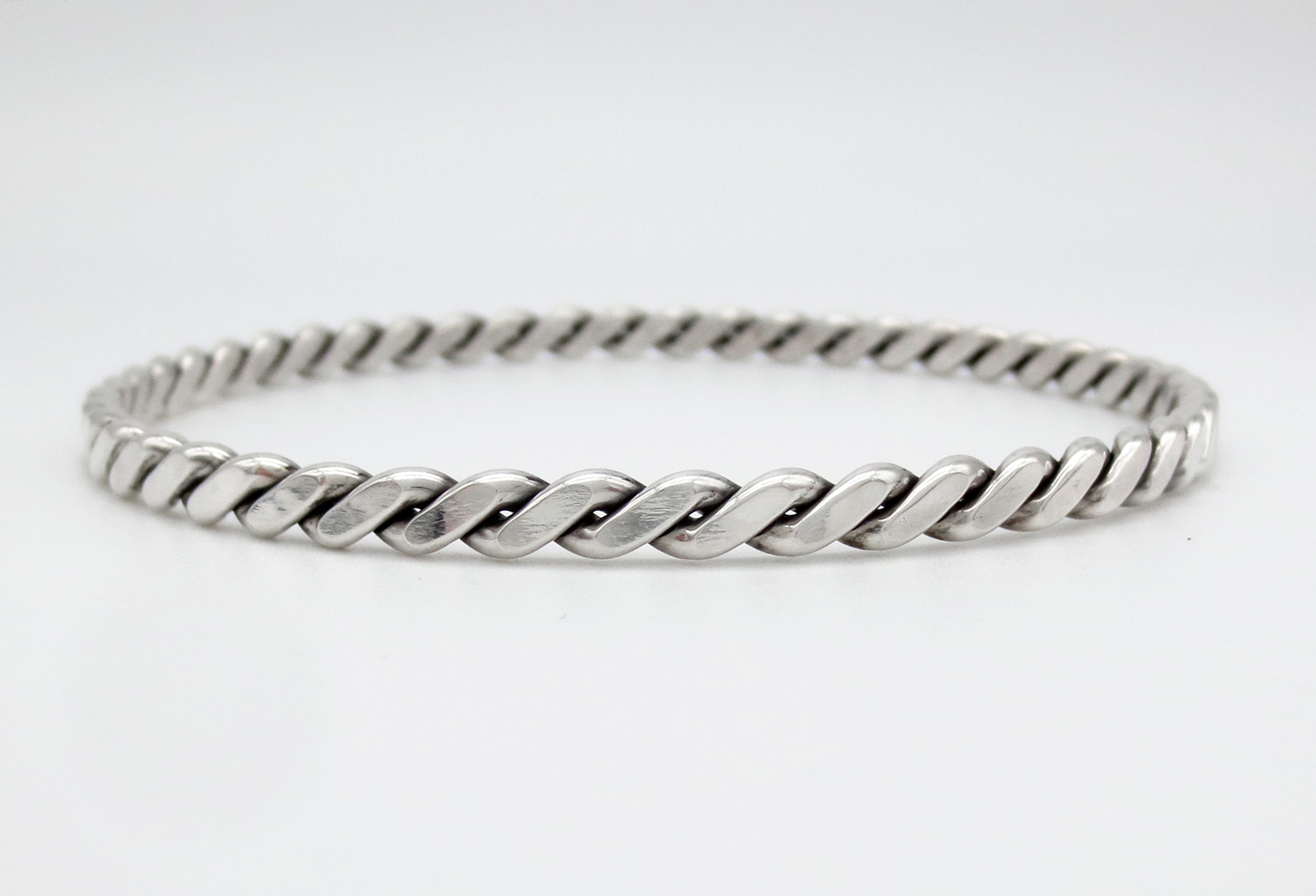 Image 1 of        Sterling Silver Bangle Bracelet Native American Jewelry - 3928rb