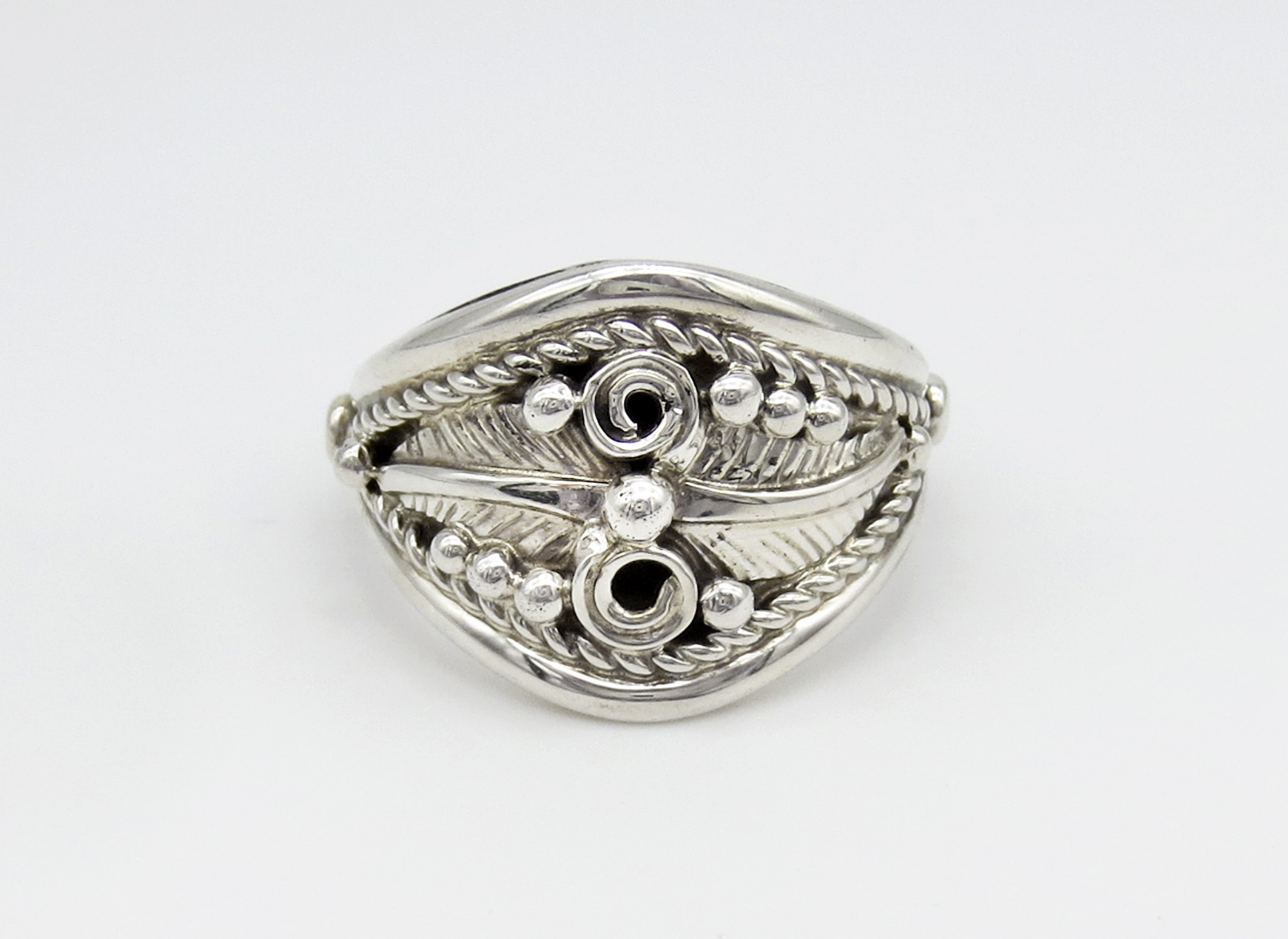 Sterling Silver Band Ring Sz 8.25 Native American Jewelry -3956rio