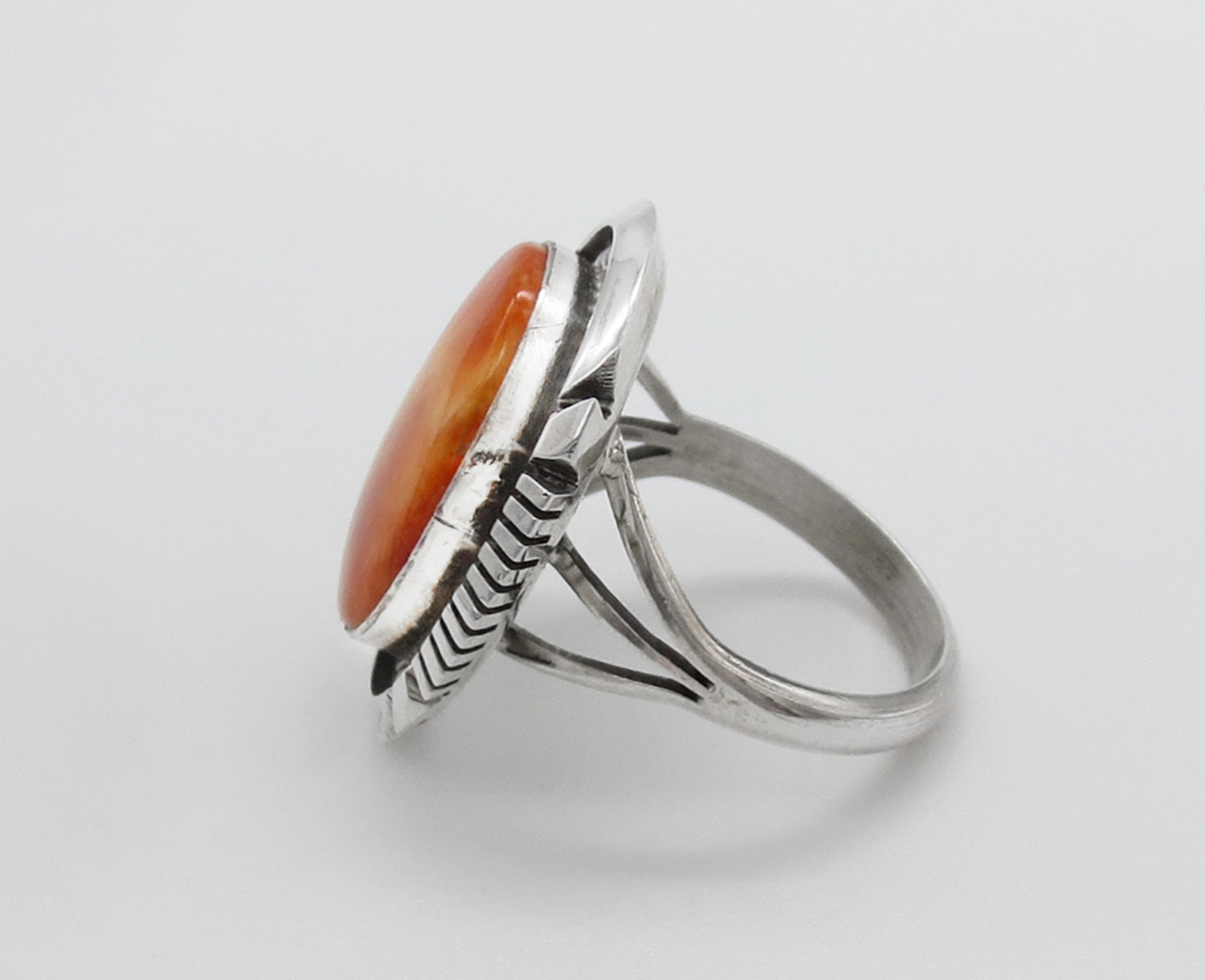 Image 1 of    Orange Spiny Oyster & Sterling Silver Ring Sz 9 Navajo Jewelry - 2107dt