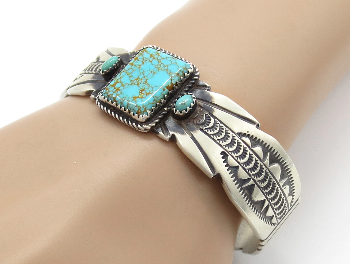 Kingman Turquoise & Sterling Silver Bracelet Native American Jewelry  - 6148dt