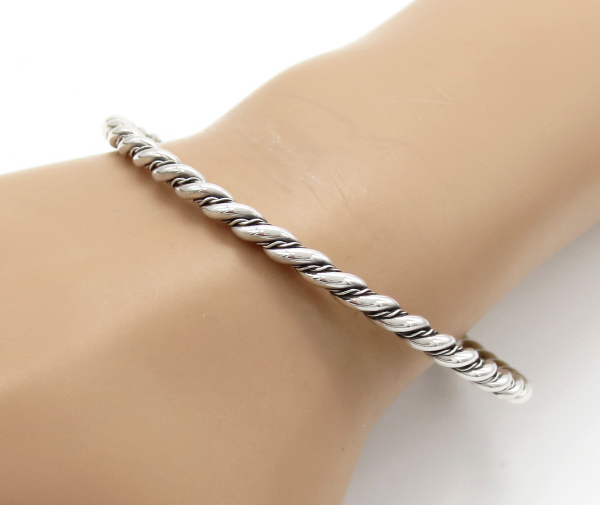 Classic Sterling Silver Bangle Bracelet Native American Jewelry - 6153rb