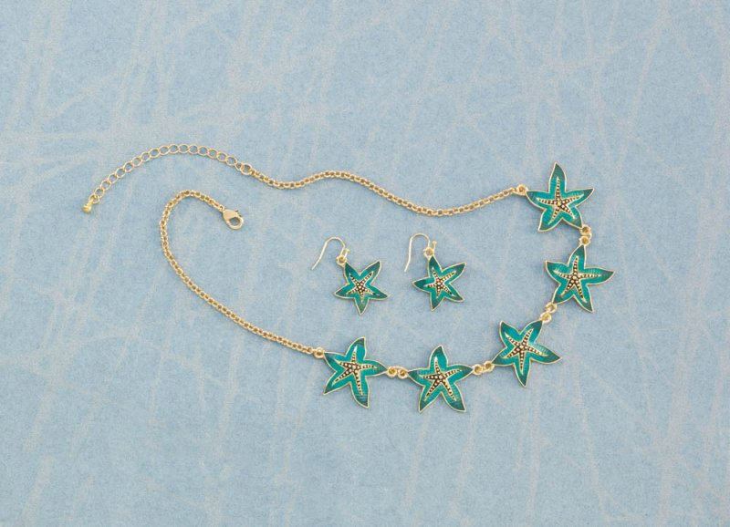 Image 0 of Five Green Starfish  on Gold Chain Necklace & Earring Jewelry Set