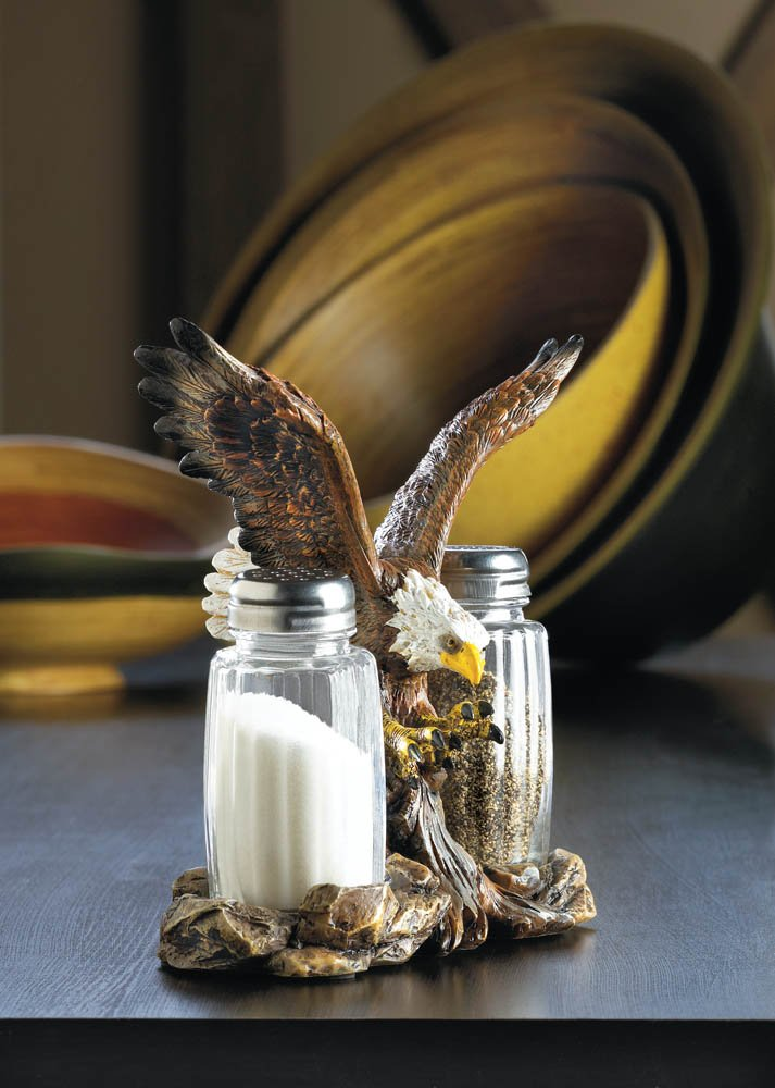 Image 0 of Salt and Pepper Shaker Set in Soaring Eagle