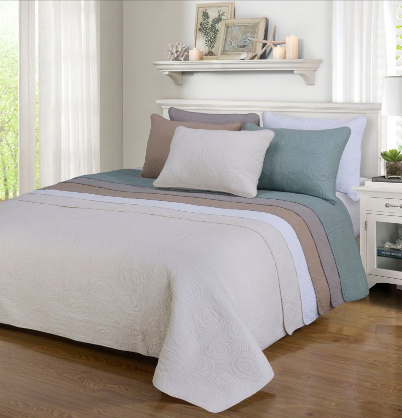 Image 0 of 3-pc Full/Queen Superior Channing Rose Stitched Quit & Pillow Sham Set