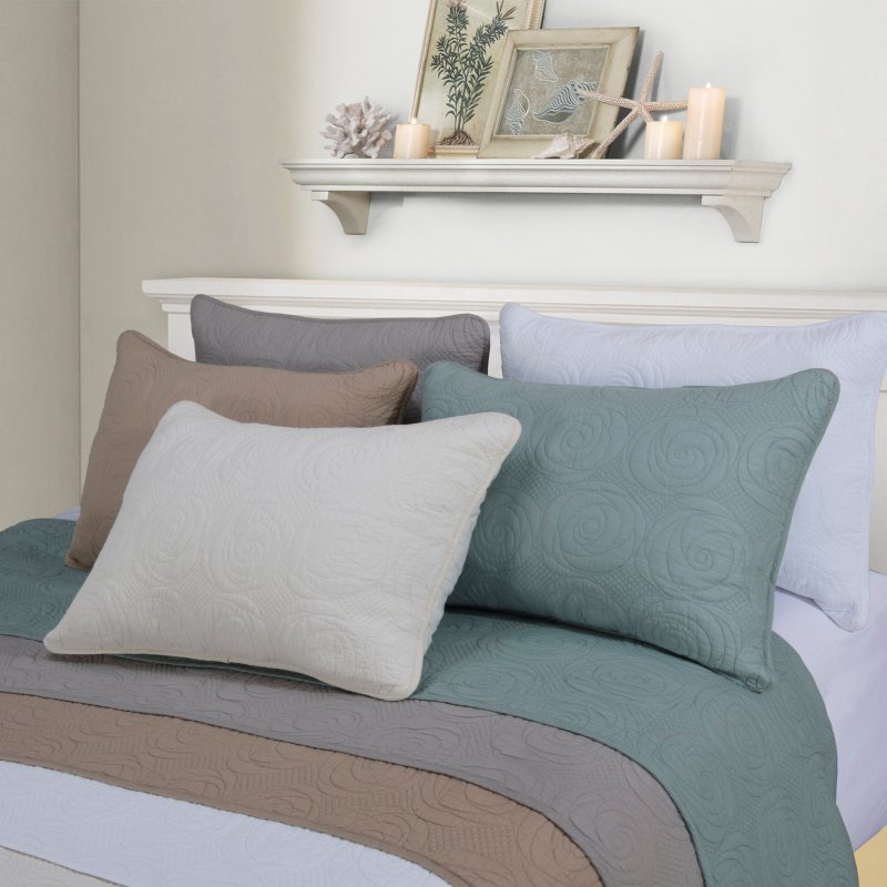 Image 1 of 3-pc Full/Queen Superior Channing Rose Stitched Quit & Pillow Sham Set