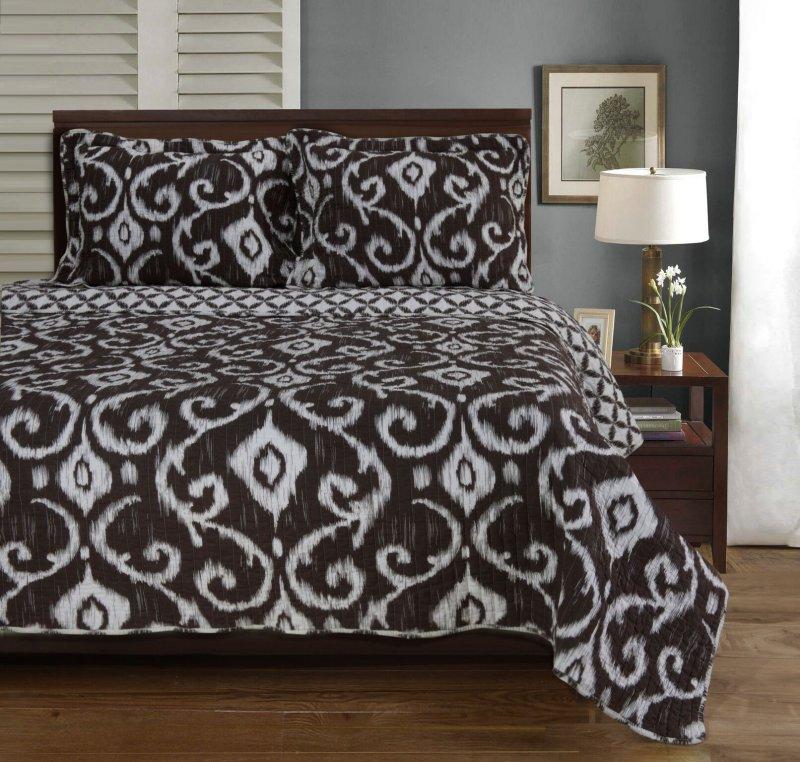 Image 0 of Full/Queen Superior Brown Cambridge Victorian Design Quit & Pillow Shams