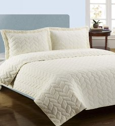 Ivory Full/Queen Superior Ashley Embroidered Braided Quit & Pillow Shams