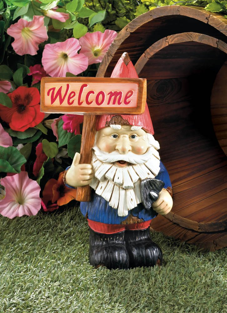 This charming gnome statue is holding a big welcome sign. Resin, plastic, LED light and solar panel. Dimensions 6.5
