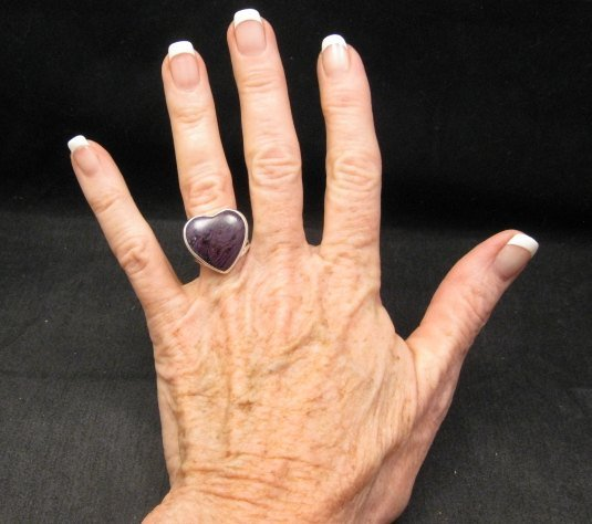 Image 2 of Navajo Orville Tsinnie Native American Sugilite Heart Silver Ring sz6-1/2