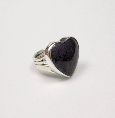 Image 4 of Navajo Orville Tsinnie Native American Sugilite Heart Silver Ring sz6-1/2